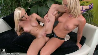 Kathia Nobili and Bianca Golden testing ebony strapon