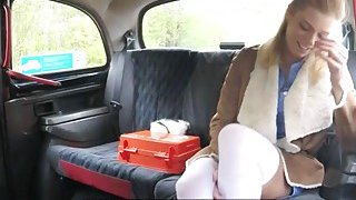 Hot amateur babe gets nailed by perv driver in the taxi